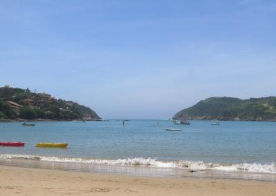 Praia Ferradura2