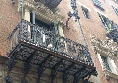 Barcelona: La ciudad mediterránea que enamora a cada paso Balcones