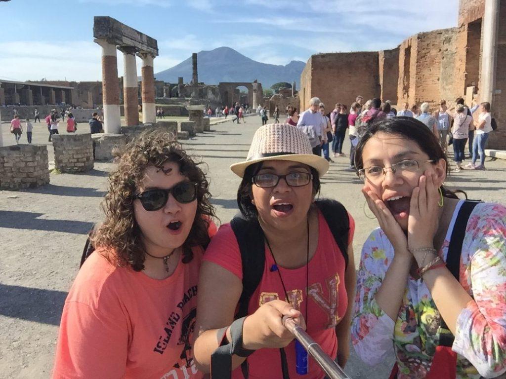 Entrevista a Miriam y Karla de Alan x el mundo selfie
