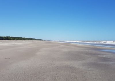 ¿Qué hacer en La Lucila del Mar? - Playa enorme