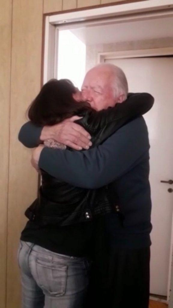 Entrevista a Cami Tisi de Partículas de un viaje Gontraveler Abuelo Abrazo